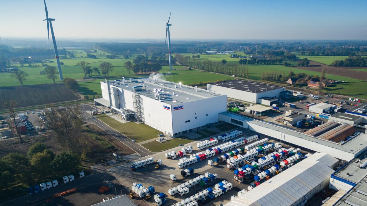 02 DAF Trucks New Cab Paint Shop in Westerlo - Facilities