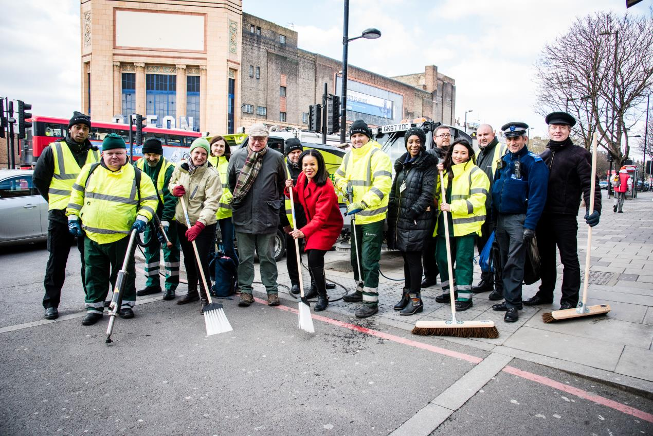 Cllr_Claudia_Webbe_joins_members_of_the_Nag%27s_Head_Town_Centre_Management_Group%2c_local_police_and_the_council%27s_street_environment_services_team_at_one_of_the_borough%27s_Community_Clean-Up_events_in_Nag%27s_Head_town_centre%2c_Holloway.