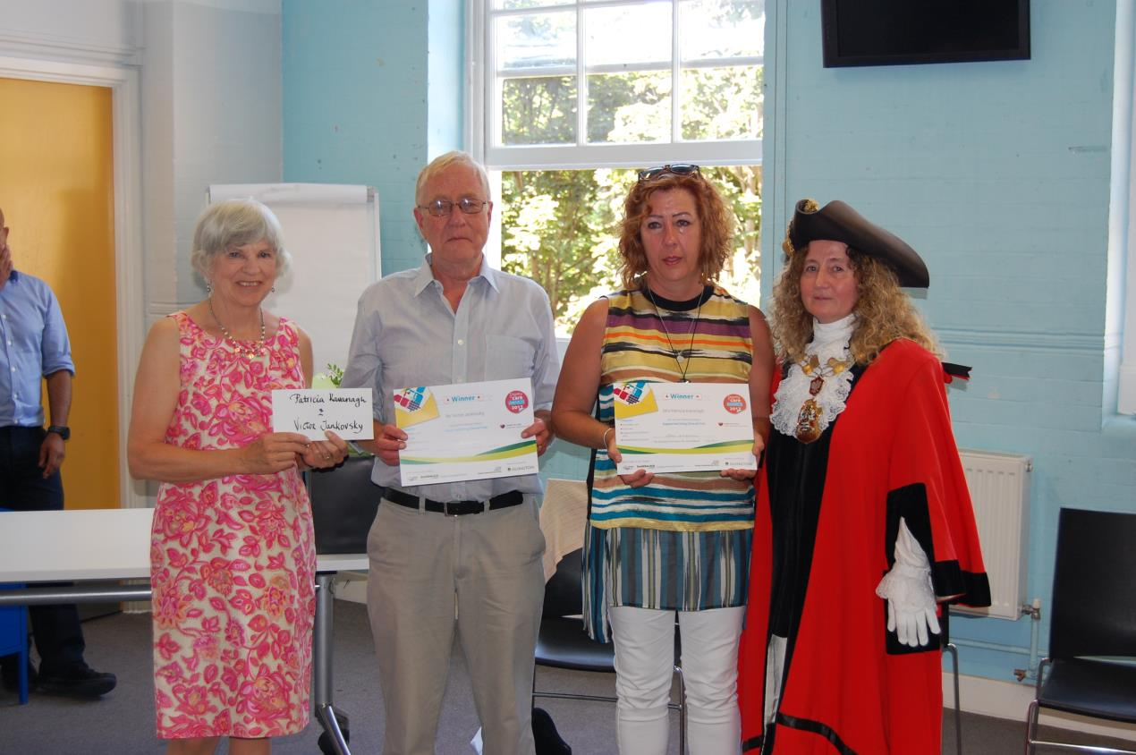 Victor_Jankovsky_and_Patricia_Kavanagh_with_Cllr_Burgess_(L)_and_the_Mayor_of_Islington