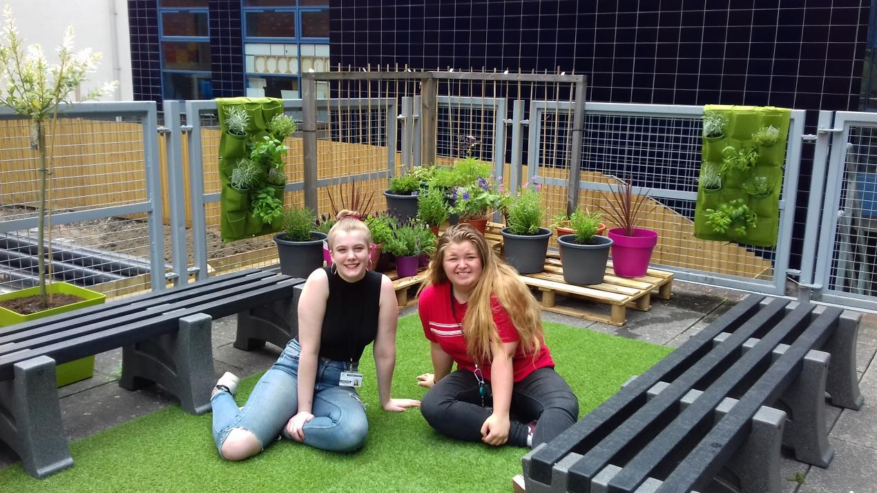 JWC urban garden with students Amaia Brooksbank and Sophie Sweeney
