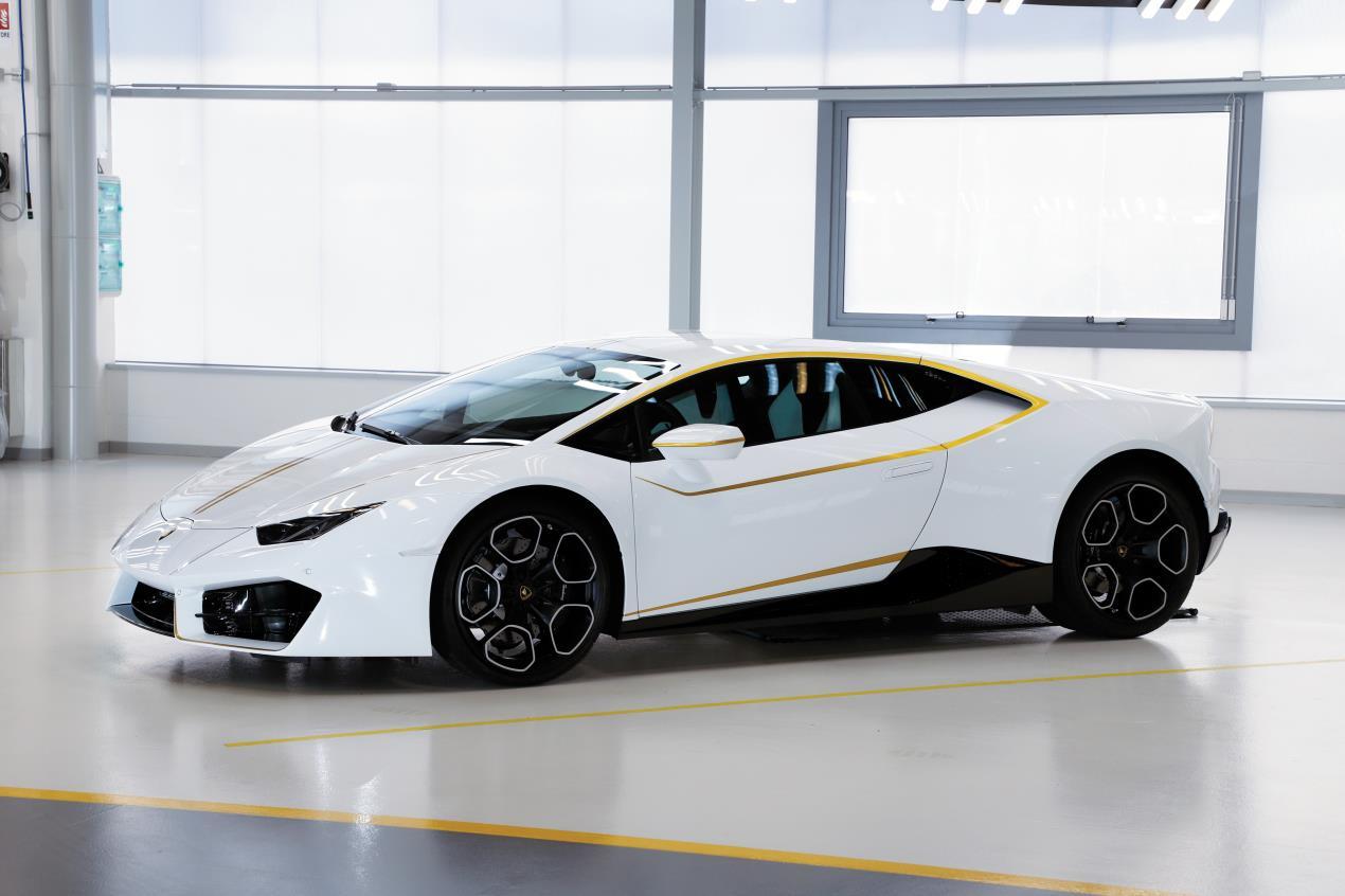 2018-Lamborghini-Huracan-RWD-Coupe_3 (1)