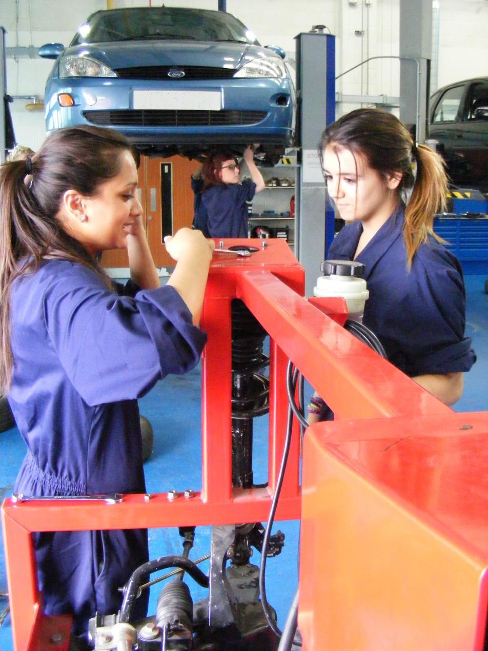 Lough Coll Skills female Mechanics (social)