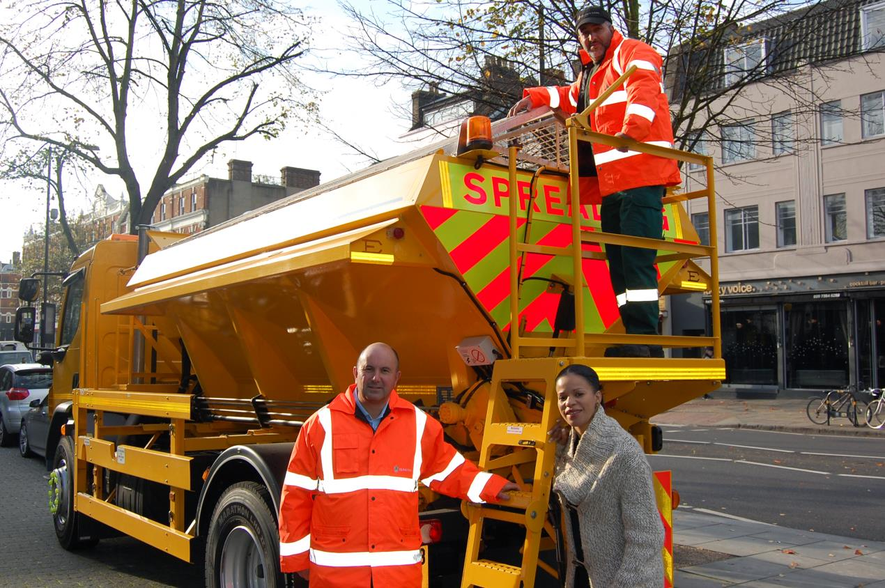 Cllr_Webbe_with_Islington_gritters
