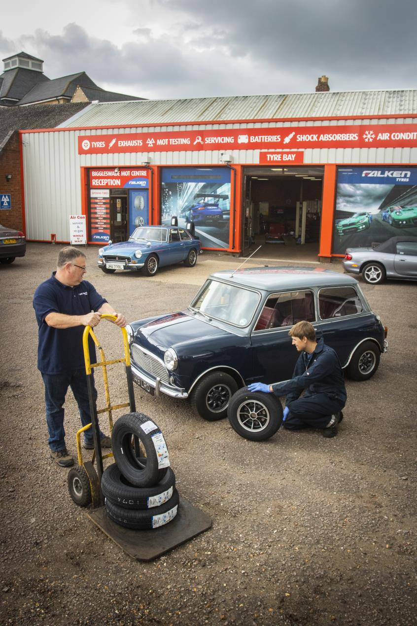 Biggleswade Tyres  - Fitting Falken tyres to classics 1