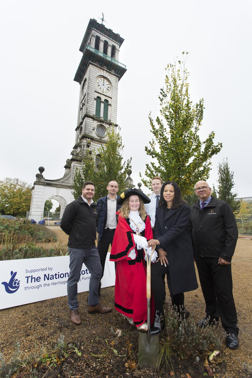 Mayor of Islington Una O'Halloran, Cllr Claudia Webbe and contractors Lengard with Caledonian Clock Tower