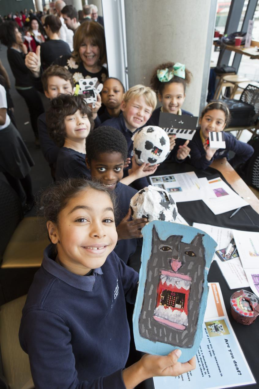 Pupils_from_Ashmount_School_with_their_doorbells_for_the_hard_of_hearing